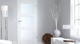 une porte vitrée pour l'esthetique