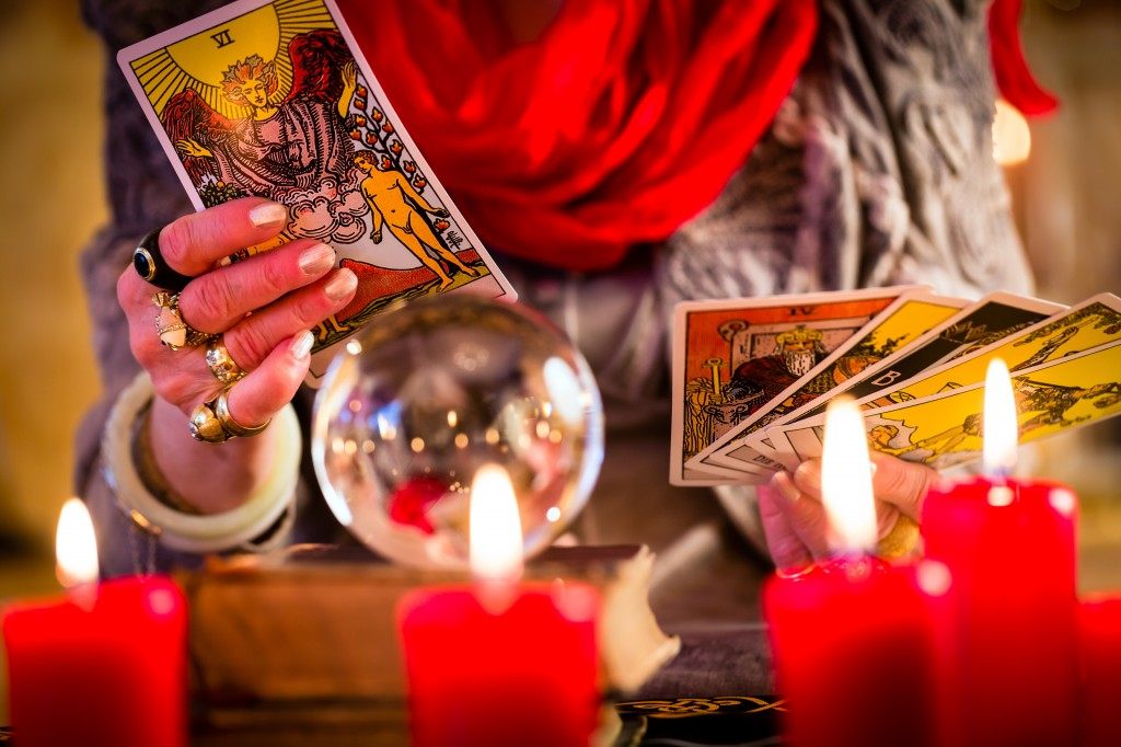 fortuneteller during Session with tarot cards
