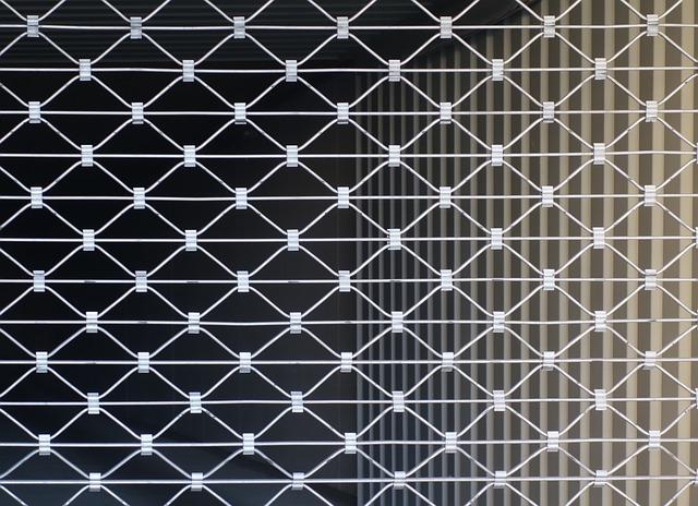 rideau métallique bloqué